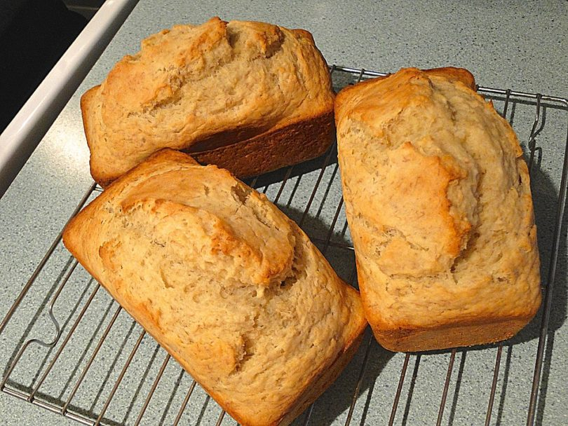 Como fazer pão de banana?